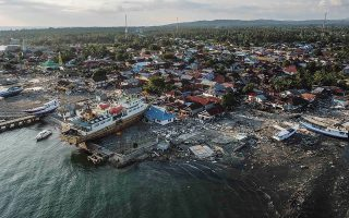 stoys-844-oi-nekroi-meta-apo-ton-katastrofiko-seismo-stin-indonisia-fotografies0