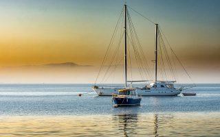 ypsiloteri-tis-kroyazieras-i-syneisfora-toy-yachting-stin-oikonomia0