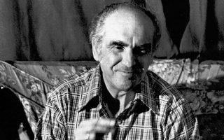 Ο Ανδρέας Παπανδρέου,  Αύγουστος 1974. Οι εντάσεις από την κρίση του Ιουλίου 1965 έως την επιβολή της δικτατορίας, η παραμονή του στη φυλακή και η απώλεια των ελπίδων για επιστροφή στη δημοκρατία τον ώθησαν σε ριζοσπαστικές θέσεις, οι οποίες θα χαρακτηρίσουν έκτοτε το ΠΑΚ.