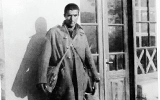 Ο Ελευθέριος Χατζηδάκης φωτογραφημένος το 1941.