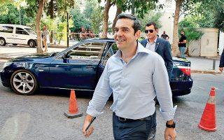 Παρά τους χαμηλούς τόνους που συνέστησε ο Αλ. Τσίπρας, κατά την πρόσφατη συνεδρίαση της Πολιτικής Γραμματείας του ΣΥΡΙΖΑ, η κόντρα μεταξύ κορυφαίων στελεχών δεν υποχωρεί.