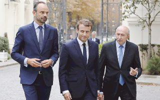 Ο Ζεράρ Κολόμπ (δεξιά) προσέρχεται στο υπουργείο Εσωτερικών μαζί με τον πρόεδρο Εμανουέλ Μακρόν και τον πρωθυπουργό Εντουάρ Φιλίπ, στις αρχές Σεπτεμβρίου.