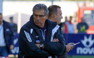 Ο προπονητής  του Πλατανιά  Αγγελος  Αναστασιάδης παρακολουθεί τον  αγώνα Πλατανιάς - Πανιώνιος,  για την 26η αγωνιστική της Σούπερ Λιγκ, στο Δημοτικό Γήπεδο Περιβολιών, την Κυριακή 17 Μαρτίου 2013. Ο Πλατανιάς  νίκησε  με σκορ 2 -1.  ΑΠΕ-ΜΠΕ/ΑΠΕ-ΜΠΕ/ Πέτρος Παττακός