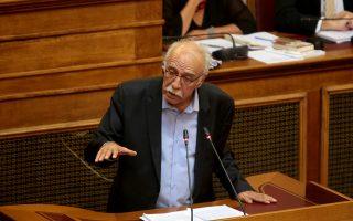 Ο υπουργός Μεταναστευτικής Πολιτικής Δημήτρης Βίτσας απαντά σε επίκαιρη ερώτηση του Βουλευτή  Β΄ Αθηνών της Νέας Δημοκρατίας Μιλτιάδη Βαρβιτσιώτη με θέμα: «Απελπιστική η κατάσταση στα νησιά του Ανατολικού Αιγαίου» , Πέμπτη 20 Σεπτεμβρίου 2018. ΑΠΕ-ΜΠΕ/ΑΠΕ-ΜΠΕ/Παντελής Σαΐτας
