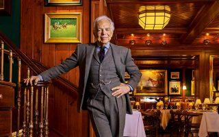 Ο Ραλφ Λόρεν στο The Polo Bar της Νέας Υόρκης © Fred R. Conrad/The New York Times
