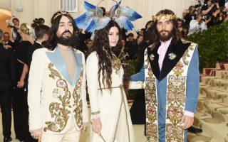 Ο σχεδιαστής Alessandro Michele, με την Lana del Rey και τον Jared Leto στο Met Gala.