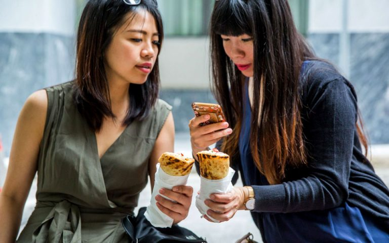 street-food-synarpastiko-oso-kai-i-athina-2275653