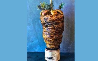 Ο «γύρος» του Noma, από μαριναρισμένο σέλερι και μανιτάρια, σερβίρεται ως κύριο πιάτο, τώρα που το εστιατόριο έχει αφιερώσει ολόκληρη τη σεζόν στη χορτοφαγία. (Φωτογραφία: Instagram/Reneredzepinoma)