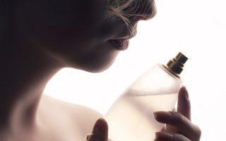 eau-de-parfum-i-eau-de-toilette-poia-einai-i-diafora-toys-2281124