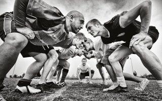 Δειλά πρώτα βήματα ανάπτυξης του αθλήματος.  Εδώ, σε αγώνα στη Ρόδο, στις αρχές της δεκαετίας. Φωτογραφίες: Περικλής Μεράκος