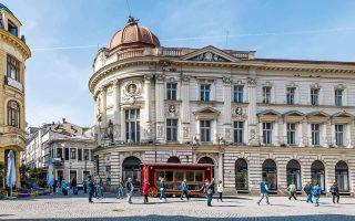 H λεωφόρος Lipscani είναι η κεντρική αρτηρία της Παλιάς Πόλης. (Φωτογραφία: Shutterstock)