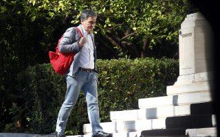Ο υπουργός Οικονομικών Ευκλείδης Τσακαλώτος προσέρχεται στο Μέγαρο Μαξίμου στη συνεδρίαση του υπουργικού συμβουλίου, Παρασκευή 27 Ιουλίου 2018. ΑΠΕ-ΜΠΕ/ΑΠΕ-ΜΠΕ/ΑΛΕΞΑΝΔΡΟΣ ΒΛΑΧΟΣ