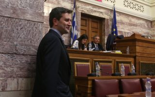 Ο ΑνυΠΟΙΚ Γιώργος Χουλιαράκης στη σημερινή συνεδρίαση της Διαρκούς Επιτροπής Οικονομικών Υποθέσεων της Βουλής  με θέμα ημερήσιας διάταξης: Συζήτηση επί του προσχεδίου του Κρατικού Προϋπολογισμού 2019, Τετάρτη 17 Οκτωβρίου 2018. ANA-MPA/ΑΠΕ - ΜΠΕ/Αλέξανδρος Μπελτές