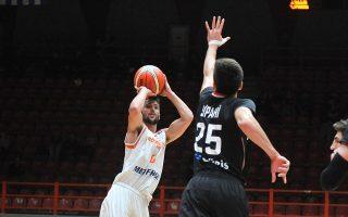 Καθοριστικός και MVP της ομάδας της Πάτρας ήταν ο Γκίκας, ο οποίος σημείωσε 17 π. με 7 ασίστ στη νίκη επί της Μπεσίκτας με 80-72.