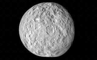 Το βλέμμα της στο ηλιακό σύστημα, πέρα από τη Σελήνη, στρέφει η NASA, όπως έγινε και με τον πλανήτη-νάνο Δήμητρα στη Ζώνη Αστεροειδών.