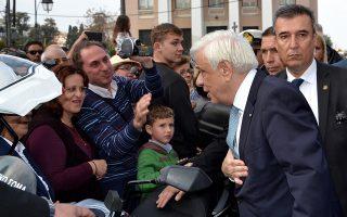 Ο Πρ. Παυλόπουλος κατά την επίσκεψή του στη Μυτιλήνη.
