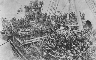 Η επιστροφή Αμερικανών βετεράνων του Α΄ Παγκοσμίου Πολέμου το 1918, λίγο καιρό μετά την υπογραφή της ανακωχής, στις 11 Νοεμβρίου εκείνης της χρονιάς. Ηταν το τέλος ενός σφαγείου, που αρχικά όλοι υπολόγιζαν ότι θα είχε ολοκληρωθεί μέσα σε λίγους μήνες.