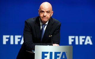 Θέση πήρε για το θέμα ο πρόεδρος της FΙFA, Τζάνι Ινφαντίνο, που απείλησε με αποκλεισμό όποιον αγωνιστεί σε ένα τέτοιο δημιούργημα.