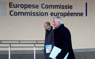 Ο διαπραγματευτής της Ε.Ε. για το Brexit, Μισέλ Μπαρνιέ, καταφθάνει στην έδρα της Κομισιόν στις Βρυξέλλες.
