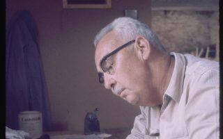 Ο επικεφαλής της ανασκαφής Τζον Κάσκεϊ εν ώρα μελέτης.