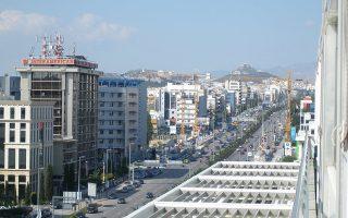 Πέραν των ακινήτων στην Κύπρο, τα οποία περιλαμβάνουν, μεταξύ άλλων, καταστήματα, γραφεία, ξενοδοχεία και big boxes, στο «πακέτο» της συμφωνίας περιλαμβάνονται και δύο εμπορικά ακίνητα στην Αθήνα, εκ των οποίων το ένα βρίσκεται στη συμβολή της Λ. Συγγρού με την οδό Λαγουμιτζή και είναι επιφάνειας 6.900 τ.μ. και το δεύτερο στη συμβολή των οδών Ευρυδάμαντος και Λαγουμιτζή, επιφάνειας 2.000 τ.μ.