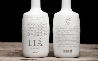 Πλέον το λευκό μπουκάλι LIΑ κοσμεί τα ράφια καταστημάτων σε Αγγλία, ΗΠΑ, Ολλανδία, Ελβετία, Γερμανία, Βέλγιο, Γαλλία, Αυστρία και Σιγκαπούρη. Από την άλλη, στην Ελλάδα συνεργάζεται με ορισμένα καταστήματα στις ιστορικές γωνιές της Αθήνας, ενώ το μπουκάλι της χρησιμοποιούν εκλεπτυσμένα εστιατόρια, όπως αυτό του Hilton.