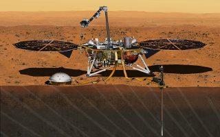 Μακέτα του InSight, ρομποτικού, διαστημικού εργαστηρίου της NASA, που σχεδιάστηκε για να μελετήσει τα γεωλογικά μυστικά του Αρη.