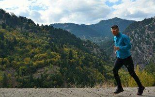 Η μεγαλύτερη απόσταση που έχει διανύσει τρέχοντας ο υπεραθλητής Σωτήρης Σωτηρίου, ήταν 440 χλμ., η διαδρομή Αγραφα - Δελφοί - Αγραφα.