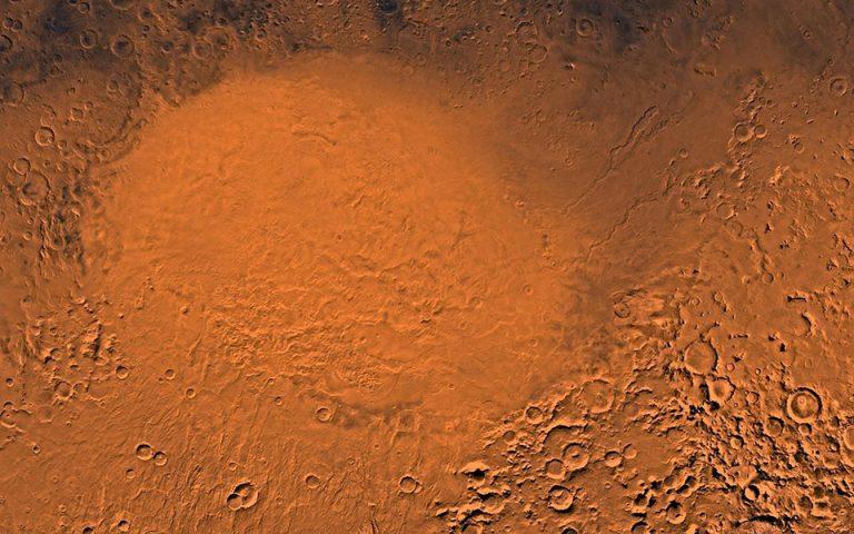 Αρχαίες λίμνες νερού εντόπισαν στον κρατήρα «Ελλάς» του Αρη ερευνητές της NASA