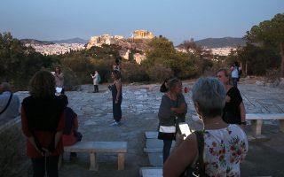 Τα χρόνια της κρίσης, η Αθήνα γέμισε «πληγές», καταστήματα έβαλαν λουκέτο, γραφεία ερήμωσαν, κάτοικοι μετακόμισαν, η καρδιά της πόλης άλλαξε.