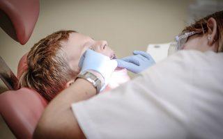 orthodontiki-therapeia-se-poies-periptoseis-einai-aparaititi-kai-se-poia-ilikia-prepei-na-xekinaei0