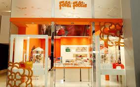 folli-follie-synechizontai-oi-diapragmateyseis-me-toys-pistotes0