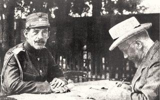 Η ριζική διαφωνία Κωνσταντίνου και Βενιζέλου (εδώ στο μέτωπο το 1913) για τη στάση που έπρεπε να τηρήσει η χώρα στον Μεγάλο Πόλεμο οδήγησε στον Εθνικό Διχασμό.