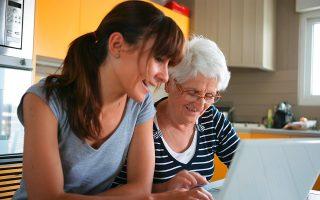 Στη Νορβηγία οι ηλικιωμένοι έχουν ήδη τη δυνατότητα να επικοινωνούν απλά και γρήγορα με προσφιλή τους πρόσωπα με τη χρήση ενός κουμπιού.