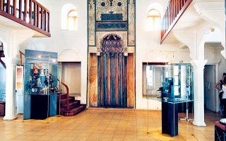 Το Μουσείο Ελληνικής Λαϊκής Τέχνης δεν θα καταφέρει να γιορτάσει τα 100 του χρόνια στη νέα του στέγη, στο Μοναστηράκι.