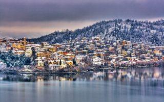 Η Καστοριά ξέρει να απολαμβάνει τον χειμώνα. (Φωτογραφία: Getty Images/Ideal Image)