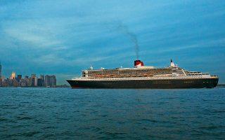Το «Queen Mary 2» αναχωρεί από τη Νέα Υόρκη. Επτά ημέρες αργότερα θα βρίσκεται στο λιμάνι του Σαουθάμπτον. ©J. D. Morgan, R. White/Corbis via Getty Images/ideal image, J. S. EVRARD, L. VENANCE/AFP/visualhellas.gr
