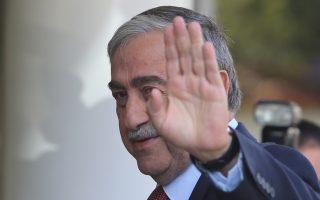 Ο ηγέτης της τουρκοκυπριακής κοινότητας Μουσταφά Ακιντζί φτάνει στο Crans Montana της Ελβετίας, Τετάρτη 5 Ιουλίου 2017. Συνεχίζονται οι συνομιλίες και σήμερα, της Διάσκεψης για το Κυπριακό στο Κραν Μοντάνα της Ελβετίας και η 2η μέρα της διαπραγμάτευσης για το κρίσιμο κεφάλαιο των Εγγυήσεων και της Ασφάλειας. ΑΠΕ-ΜΠΕ/ ΚΥΠΕ/ΚΑΤΙΑ ΧΡΙΣΤΟΔΟΥΛΟΥ