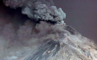 Steam rises from Fuego volcano (Volcano of Fire) as seen from San Juan Alotenango, outside of Guatemala City, Guatemala November 19, 2018. REUTERS/Luis Echeverria