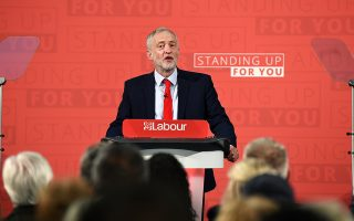 epa05916884 Labour party leader Jeremy Corbyn delivers his first general election campaign speech in London, Britain, 20 April 2017. The campaign kicked off after British MPs voted almost unanimously at the parliament on 19 April 2017 to hold a snap general election on 08 June, for which British Prime Minister May had called on 18 April.  EPA/ANDY RAIN