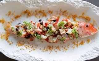 «Ταρτάρ μπαρμπουνιού», Εστιατόριο Βαρούλκο. (Φωτογραφία: Αλέξανδρος Αντωνιάδης)