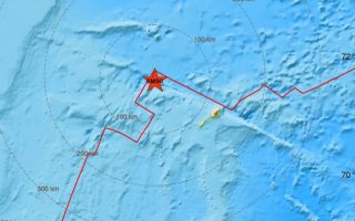 seismos-6-8-richter-sta-anoichta-ton-anatolikon-akton-tis-groilandias0