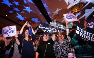 Ohio Democratic party supporters cheer for United States Senator Sherrod Brown as he speaks at his election night party in Columbus, Ohio, U.S. November 6, 2018. REUTERS/Aaron Josefczyk