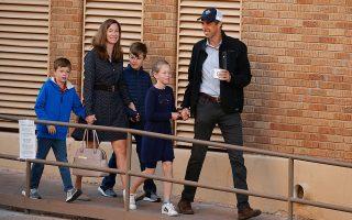 Ο Μπέτο Ο' Ρουρκ, από το Τέξας, με τη γυναίκα του και τα τρία παιδιά τους. Στις ενδιάμεσες αντιμετώπισε επί ίσοις όροις τον Ρεπουμπλικανό Τεντ Κρουζ.
