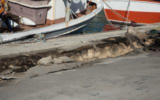 Εικόνα από την προβλήτα της Ζακύνθου μετά τον πρόσφατο σεισμό. Συνολικά, στο νησί δεν καταγράφηκαν πολλές ζημιές, κάτι που σύμφωνα με τους επιστήμονες οφείλεται και στο γεγονός ότι το επίκεντρο ήταν στη θάλασσα.