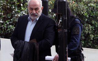 Ο καταδικασμένος σε 20ετή κάθειρξη για την υπόθεση των εξοπλιστικών Γ. Σμπώκος προσέρχεται στο γραφείο του ανακριτή προκειμένου να καταθέσει για την υπόθεση της