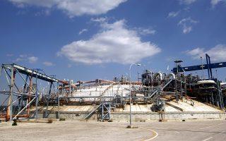 Το αέριο θα παραδοθεί στη νέα δεξαμενή της Ρεβυθούσας που εγκαινιάστηκε πρόσφατα και θα είναι το πρώτο φορτίο που φθάνει από τον νέο τερματικό σταθμό της αμερικανικής Cheniere στο Corpus Cristi του Τέξας. Θα μεταφερθεί από το ελληνικών συμφερόντων νεότευκτο δεξαμενόπλοιο LNG «Maria Energy» του εφοπλιστικού ομίλου Τσάκου.