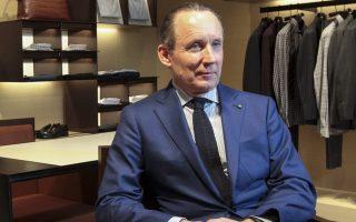 Η κίνηση του προέδρου και διευθύνοντος σύμβουλου του Zegna Group, Ermenegildo Zegna, «να πάρει πάνω του» το δίκτυο στην Ελλάδα και να ξεκινήσει τη διαδικασία του «διαζυγίου» με τη Folli Follie ήταν, συγκριτικά με τις άλλες μάρκες που αντιπροσωπεύει η FF, εύκολη, εξηγούν κύκλοι της αγοράς.