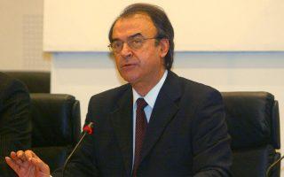 «Eίναι λάθος να τοποθετούνται δημόσια σε εκκρεμείς υποθέσεις υπουργοί και άλλοι πολιτικοί γιατί αυτό έμμεσα μπορεί να ερμηνευθεί και ως παρέμβαση στο έργο της δικαιοσύνης», λέει ο Δημήτρης Τσοβόλας.