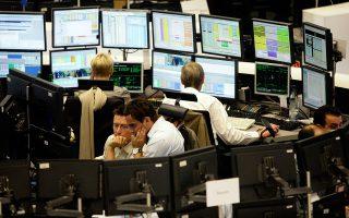 Οι αποδόσεις των ελληνικών τίτλων παραμένουν σε υψηλά επίπεδα, καθιστώντας άσκηση μεγάλης επικινδυνότητας τη νέα έξοδο στις αγορές.